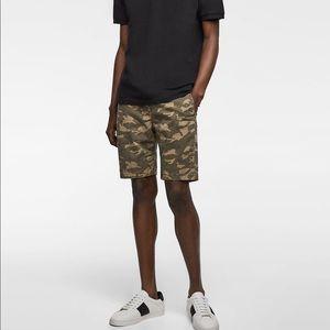 Zara men camouflage shorts — host pick!